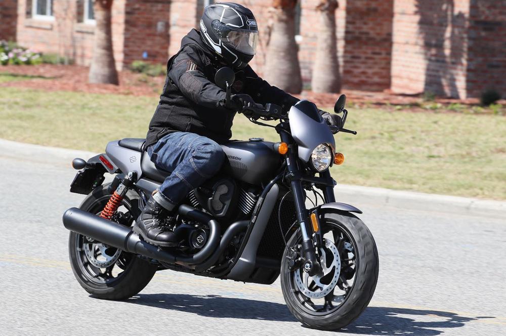 La nueva Harley-Davidson Street Rod, más potente que nunca