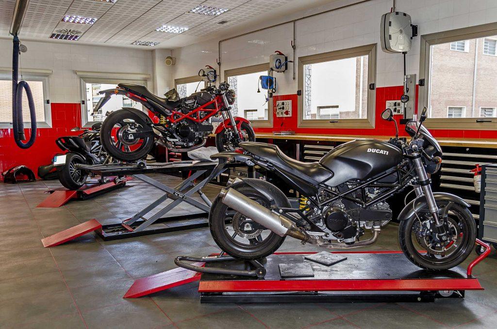 503 Taller Motos 01