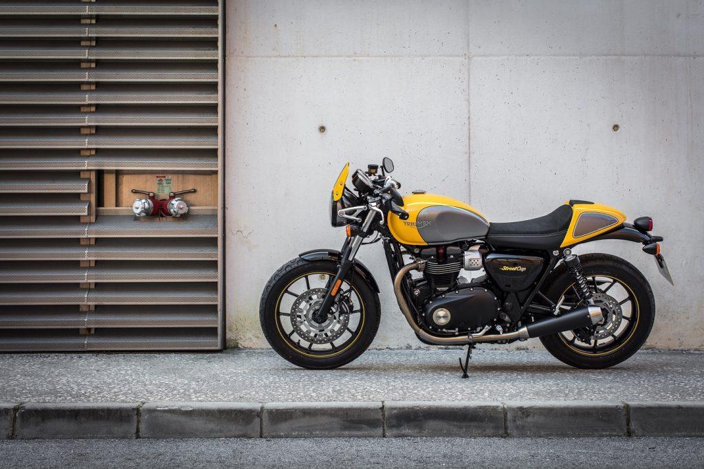 536 Cinco motos retro 5 Triumph Street Cup