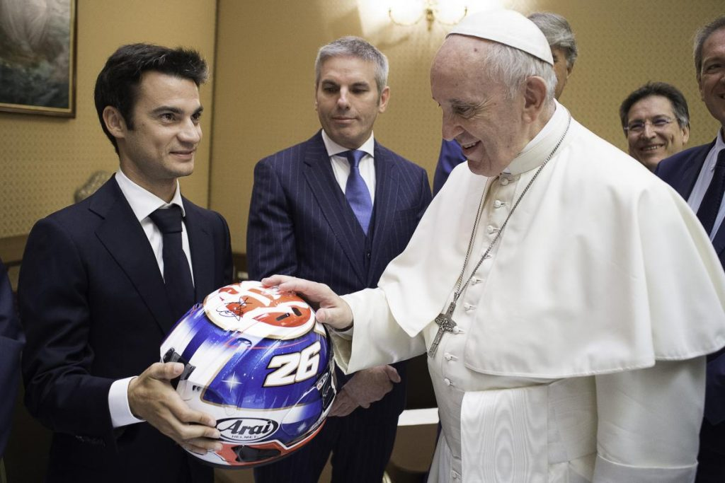 701 MotoGP Papa Francisco 05