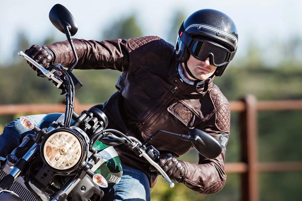b3b7b4a0355 ¿Cuál es la ropa ideal para andar en moto  – Gente de Moto