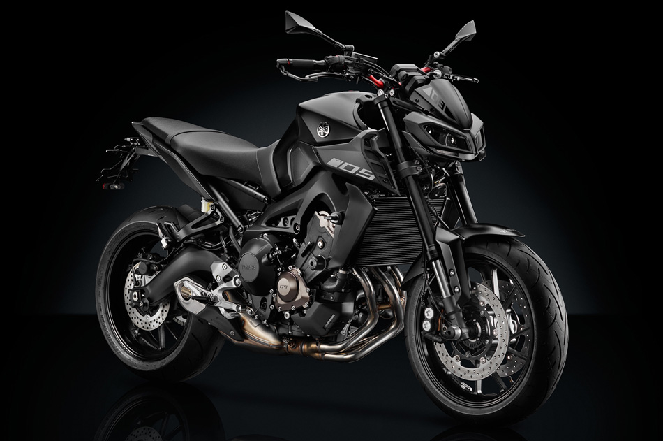la yamaha mt 09 se viste de negro gente de moto. Black Bedroom Furniture Sets. Home Design Ideas