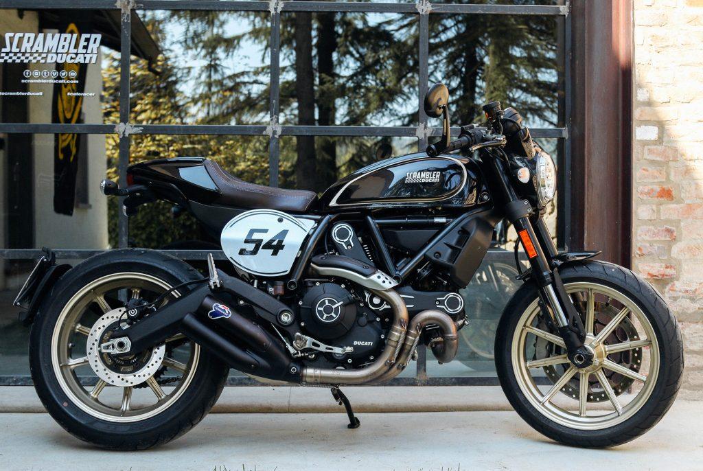 536 Cinco motos retro 2 Ducati Scrambler